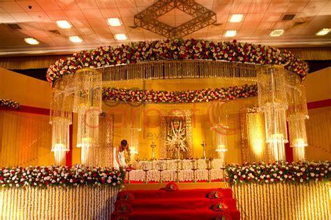 Hindu crystal wedding stage   Red Carpet Events