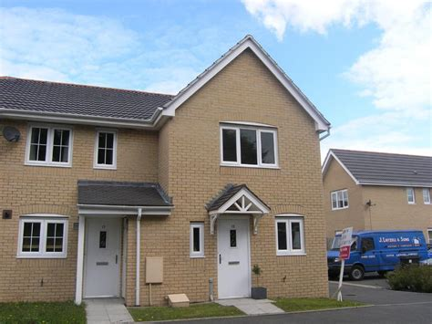 2 bedroom houses to rent in cardiff 2 bedroom house to rent in ffordd brynhyfryd old st