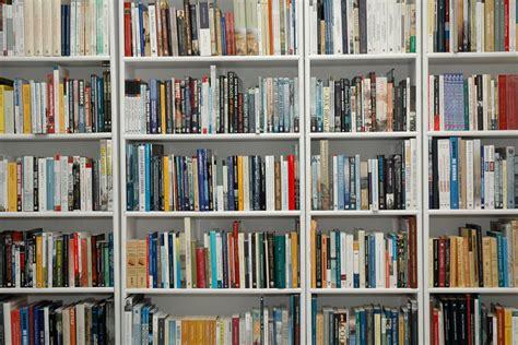 libros la estantera los mejores consejos para decorar con