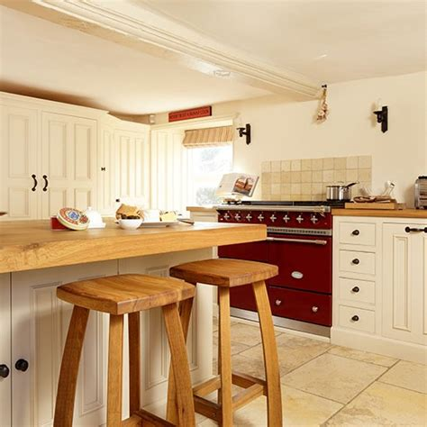 welcoming country kitchen housetohome co uk country kitchen designs kitchen decorating housetohome