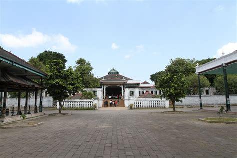 keraton yogyakarta situs budaya indonesia