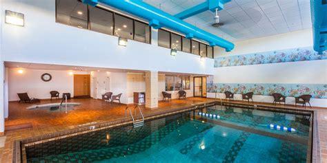 holiday inn express suites discover saint john 25 fort st john swimming pool decor23