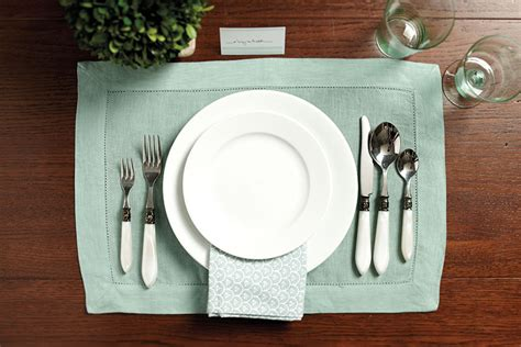 simple place setting 14 easter table setting ideas how to decorate