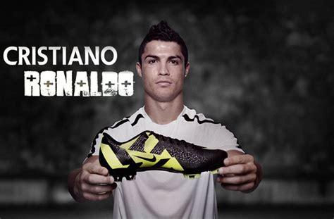 football players shoes cristiano ronaldo footbal shoes wallpaper hd http
