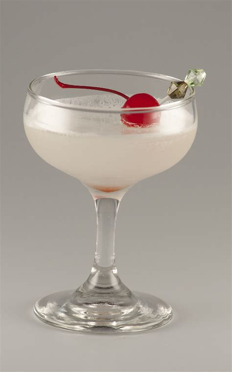 white cocktail white cocktail recipe with pictures