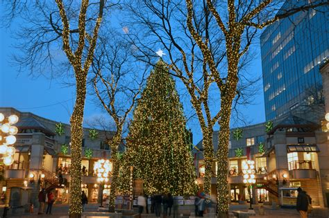 when was the first faneuil hall christmas tree faneuil marketplace and cbs boston s wbz tv present quot faneuil tree lighting spectacular