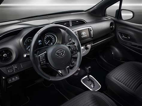 airbag deployment 2010 toyota yaris interior lighting 2017 toyota yaris hybrid is unveiled push evs