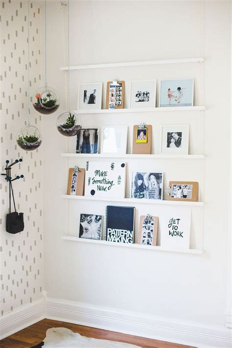 ways to hang posters 1000 ideas about hanging posters on pinterest painters