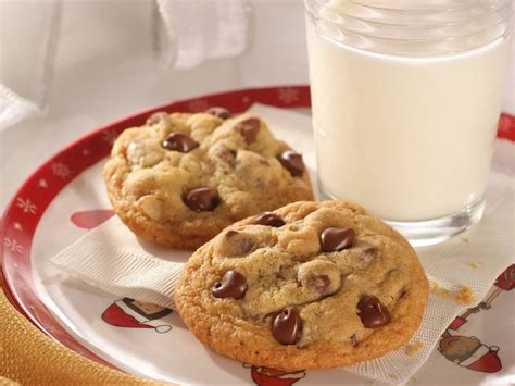 toll house chocolate chip cookies original nestle toll house chocolate chip cookies recipe dishmaps