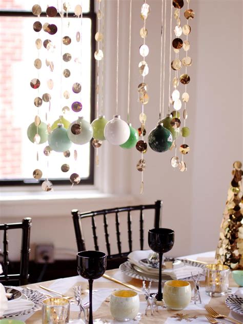 centerpieces with ornaments decorate the tables with these 50 diy centerpieces