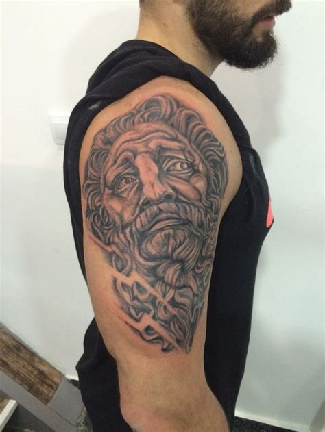 zeus tattoo brazo soho tattoo malaga by viviana calvo