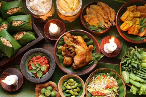 aneka masakan nusantara jadi menu andalan garuda indonesia