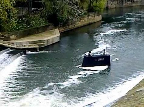 bathtub submarine russian submarine stranded in river avon bath youtube