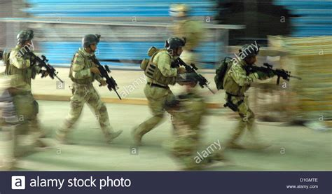 us special operations us special forces work with iraqi special operations
