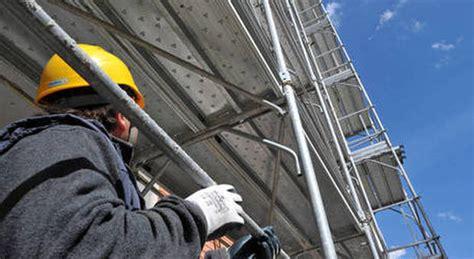 senza permesso di soggiorno cantieri edili scoperti lavoratori in nero e senza