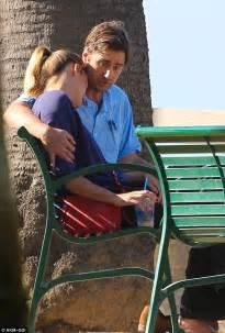 luke wilson tv show luke wilson consoles his tearful ex girlfriend meg simpson