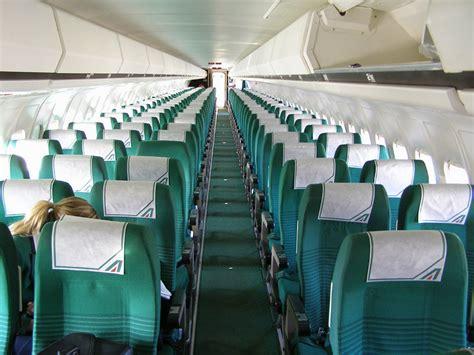 voli interni italia low cost alitalia apre ai voli low cost con la nuova tariffa light