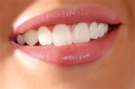 safe   naturally whiten  teeth