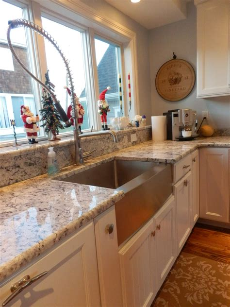 waterfront property with its own island kitchen design
