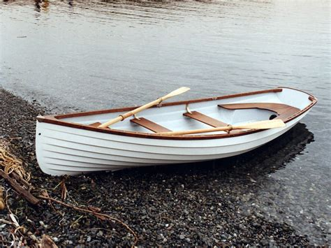 row boat building classic whitehall spirit 174 14 traditional rowboat