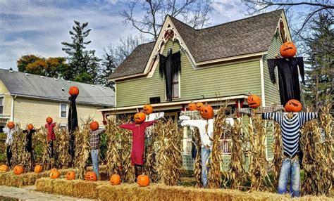 halloween themes for yards halloween yard decorations ideas on budget