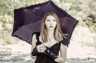 sognare pioggia in casa cosa significa sognare la pioggia interpretazione sogno