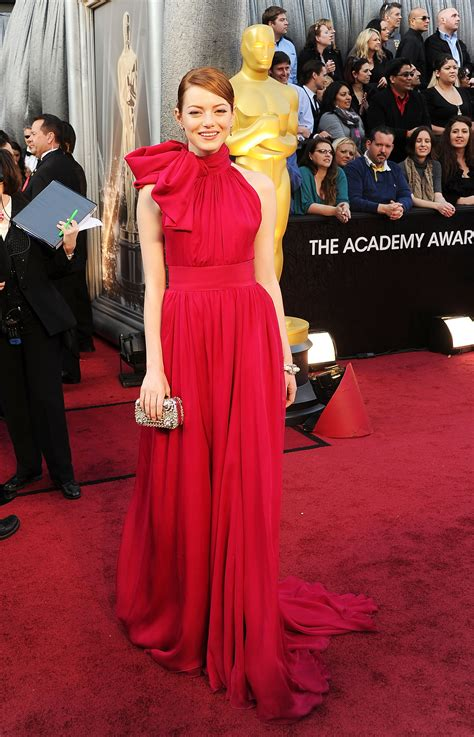 emma stone oscar dress emma stone went with the blonde bombshell look at her