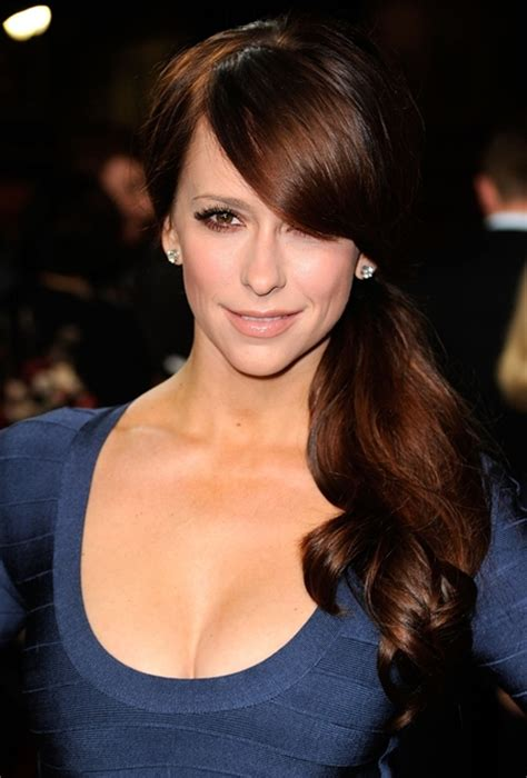 musician biography movies list jennifer love hewitt favorite beauty products color food