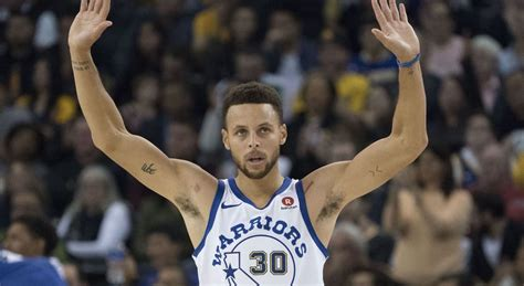 stephen curry fan warriors stephen curry responds to fan scolding him