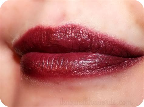 Avon Velvet Lipstick project vy lip with avon colour rich lipstick and ultra luxury lip liner i all the words