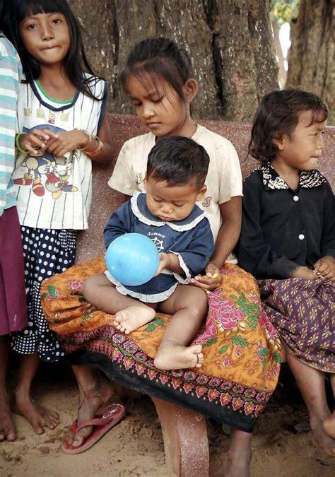 batik design of cambodia 259 best anakijo batik sarong images on pinterest