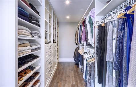 How Wide Should A Walk In Closet Be by 17 Best Ideas About Walk In Closet Dimensions On