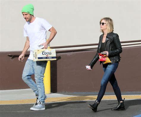 skinny jeans in or oyt in 2015 ashley benson 2015 celebrity photos in skinny jeans
