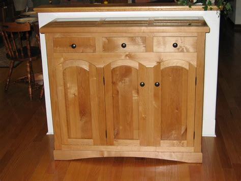 Rustic Red Kitchen Cabinets alder alnus rubra it s possible you ve overlooked this