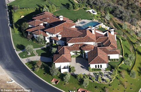 Britney Spears Mediterranean Estate In Calabasas Starmap