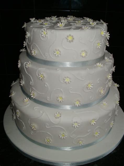 Wedding Cake Equipment by Wedding Cakes Cakes Cake Decorating Equipment