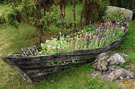 wooden boat planter 20 creative uses for old items used as garden planters