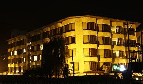 best hotels in srinagar welcome hotel is the best luxury hotel in srinagar located