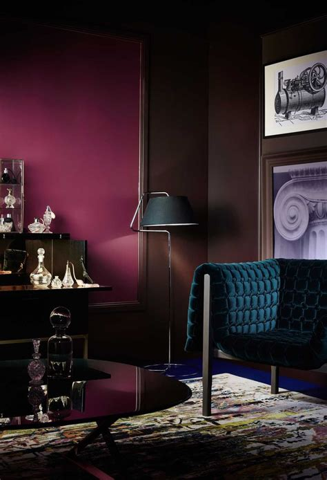 anyone with plum dark berry claret colored walls best 25 magenta walls ideas on pinterest dulux colours