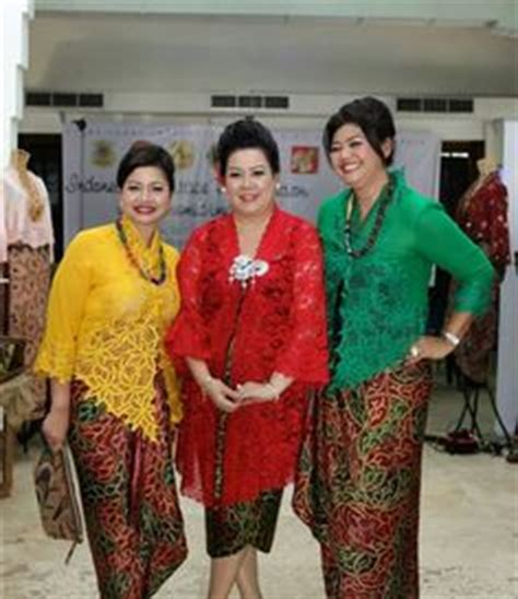 Baju Indah Bordir Kebaya On