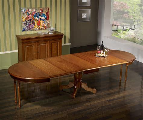 table ronde avec allonges 1276 table ronde pied central aline en merisier massif de style