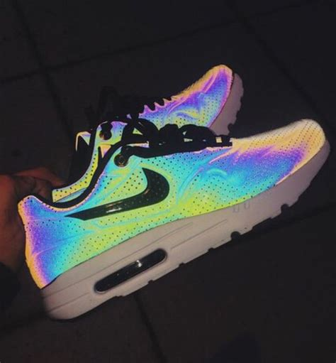 glow in the shoes shoes nike glow in the shoes nike shoes wheretoget