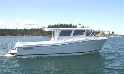 Cabin Fishing Boats by Nicest Cabin In A 33 Or Less Fishing Boat The Hull