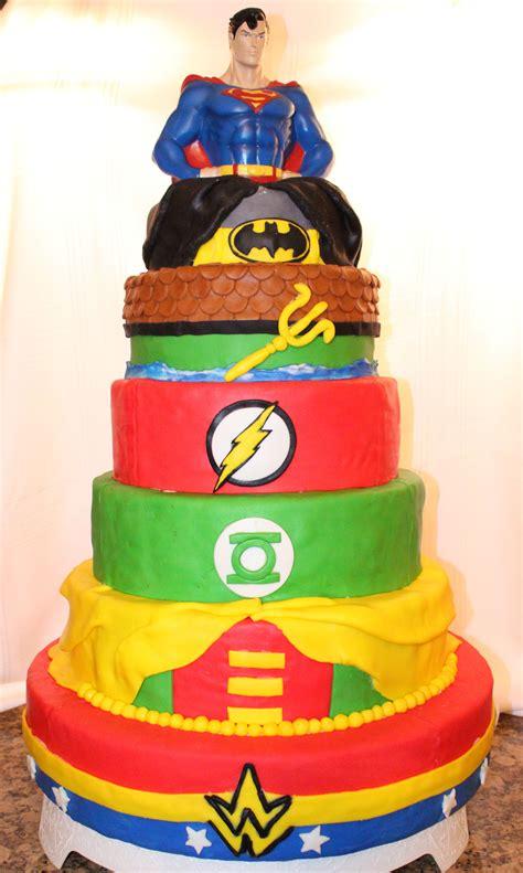dc comics superman batman aquaman flash green lantern robin  woman cake