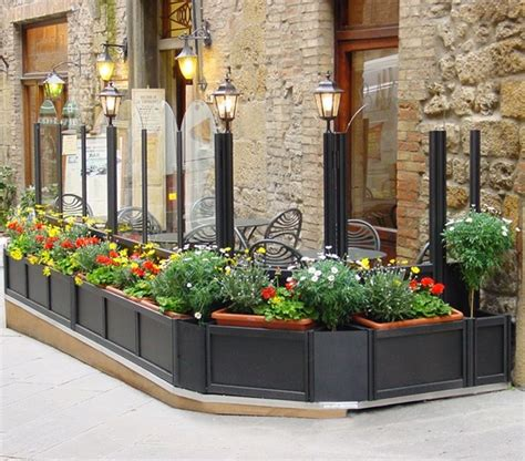 fioriere in alluminio per esterni come scegliere le fioriere per esterno scelta dei vasi