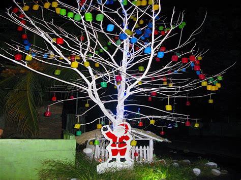 membuat pohon natal dari daur ulang pesona pohon natal berbahan daur ulang ala nangalimang