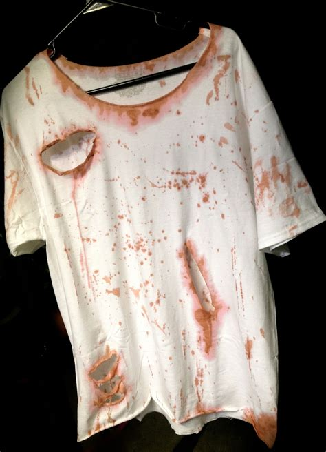 zombie shirt tutorial how to make a zombie shirt with fake blood howsto co