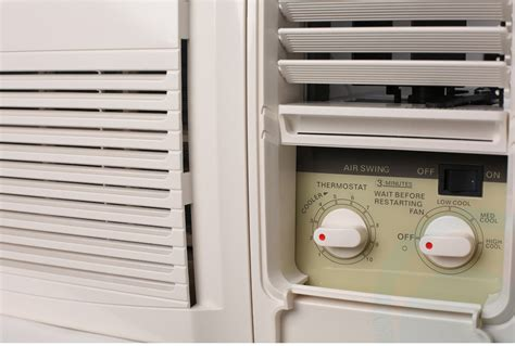 box window air conditioners kelvinator 1 6kw window box air conditioner kwh15cme