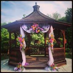 Floral Decorating Ideas For Gazebo by 1000 Ideas About Gazebo Wedding Decorations On Pinterest
