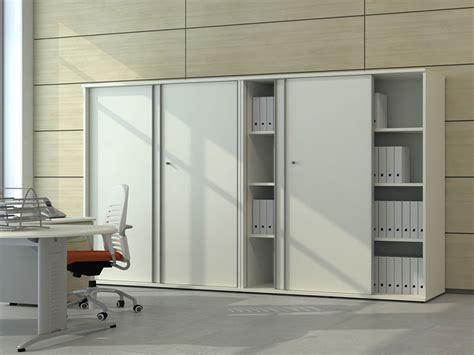 armoire de bureau porte coulissante armoires et caissons m 233 lamin 233 s armoires coulissantes i